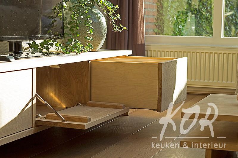 eikenhouten tv-meubel